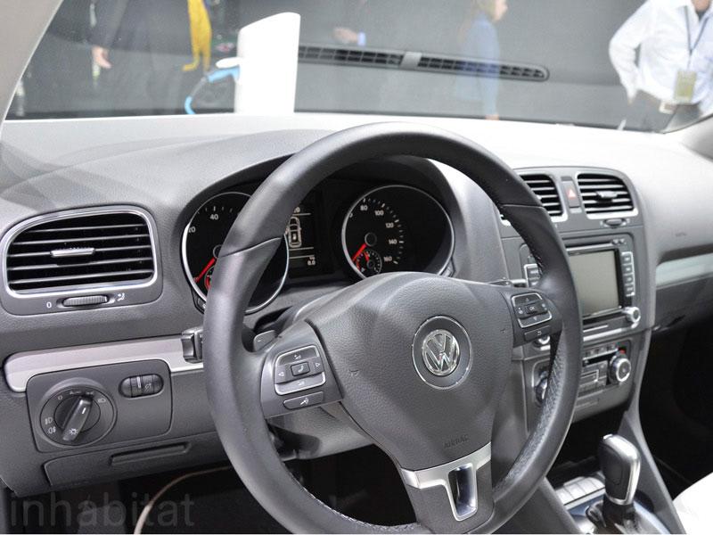 VW E Golf Dash
